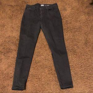 Black Levi's Skinny Jeans...Long Length